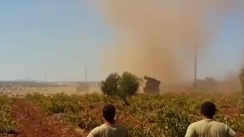 土耳其偷袭俄叙联军,大批苏34升空猛烈反击,美惊呼现场尸横遍野