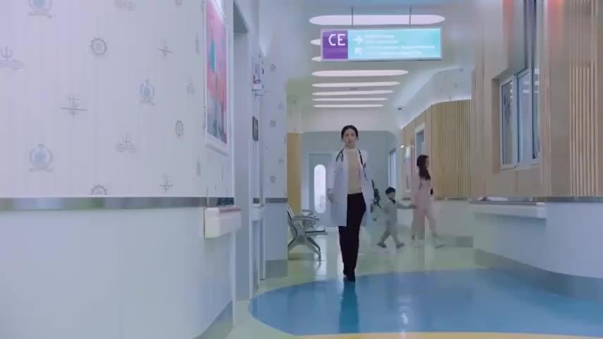 罗云熙:大夫察觉到大爷手抖,找大夫反映,老师却说是因为害怕