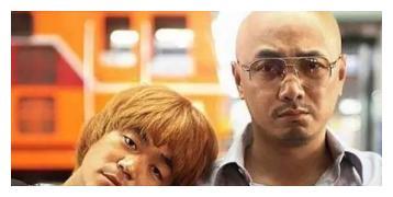 2005年宁浩拍《疯狂的石头》,徐峥抢了媳妇剧本来了,还不要片酬