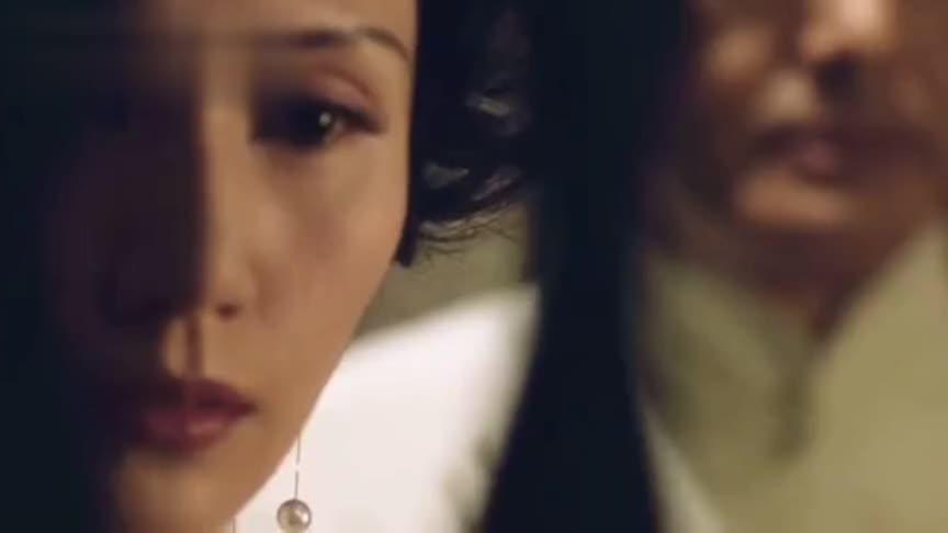 美人在骨不在皮,袁泉的这一回眸太心酸,周润发差点接不上戏