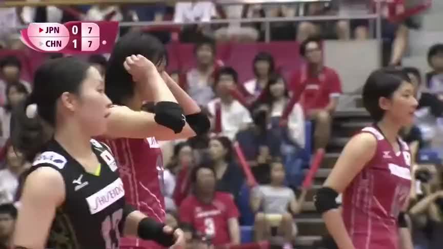 神龙摆尾,中国女排对阵日本,袁心玥的三号位快攻如泰山压顶