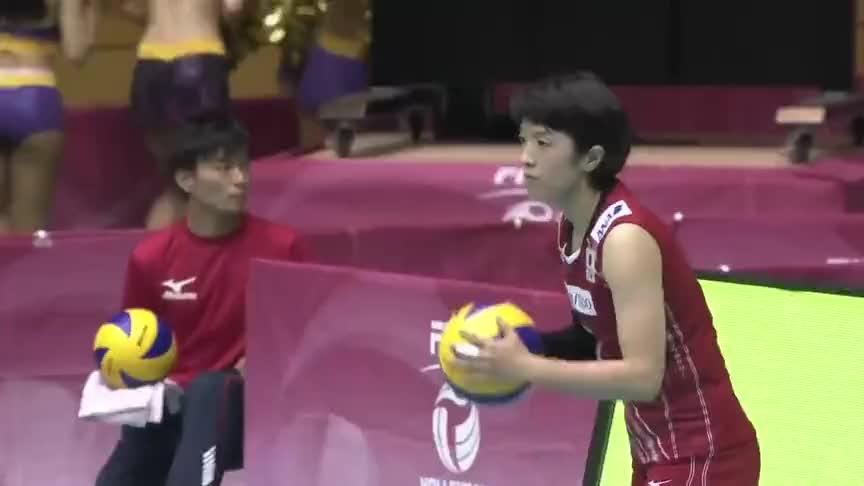 中国女排对阵日本,袁心玥的探头和快攻炸翻了日本女排场地