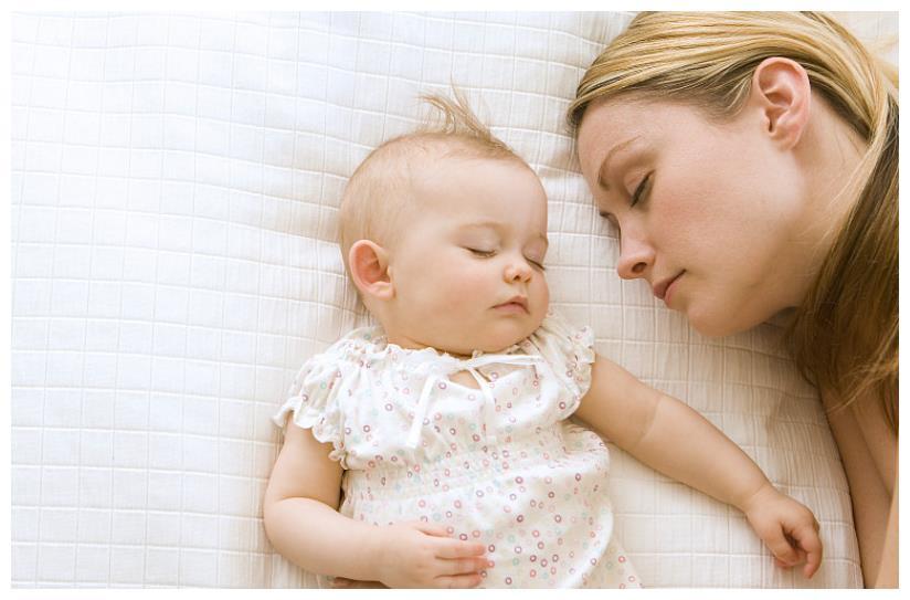职场妈妈育儿误区:陪伴孩子睡觉怕影响工作,做好以下几点即可