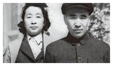 她18岁嫁给林老总,两人离婚后嫁给林老总的师兄,今101岁