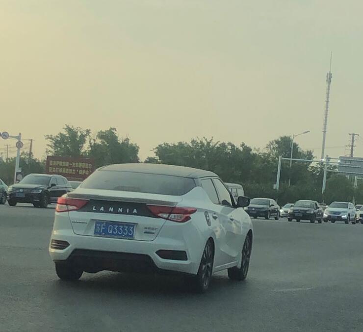 """南通海门街头偶遇车牌靓号""""Q3333"""",挂在尼桑蓝鸟上太低调了!"""
