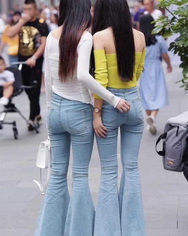 """微胖女生的""""清凉""""穿搭,休闲显瘦的喇叭裤,让造型轻松变好看"""
