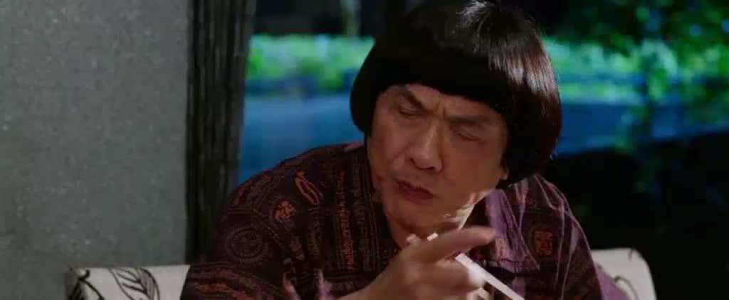 男服务员腰间一条绳子的用处,吓得我再也不敢用餐厅的筷子了