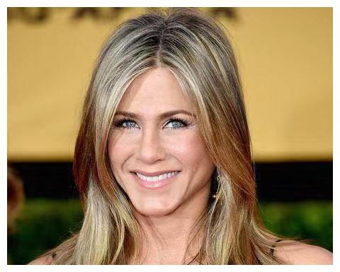过去10年收入最高的女演员,皮特两前任上榜,瑞秋艳压朱莉