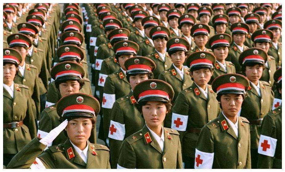 1975年,中国军队的总数量,为何迅速达到了610多万人?
