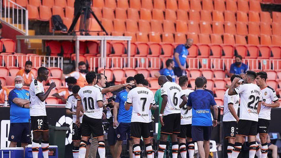 戈麦斯+李康仁进球,瓦伦西亚2比1巴拉多利德,结束西甲5轮不胜