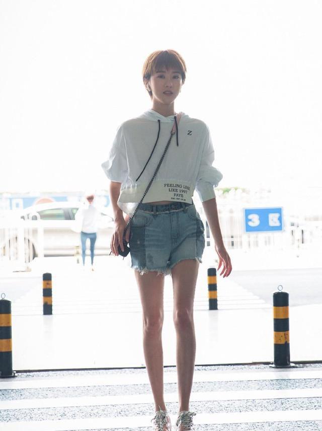 美不美,看大腿,明星美腿照,夏日街头美腿