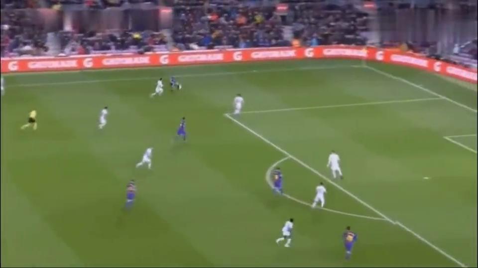 巴萨凌晨国王打嗨了,半场4-0狂屠塞尔塔,梅西2分钟2球,回看4粒球