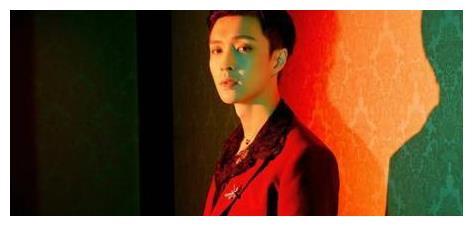 吴世勋和朴灿烈跳张艺兴新歌《莲》,EXO团魂炸裂,众人友情不减