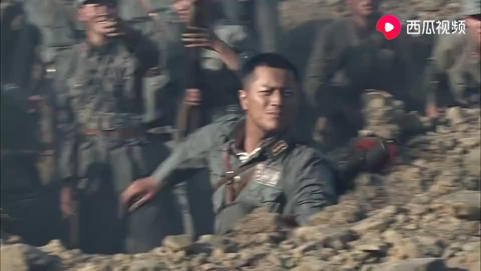 日军用氢气球指挥炮兵作战,川军抡起大刀见敌就劈
