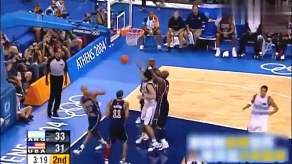 美国男篮最耻辱时刻,04雅典被阿根廷狂虐,艾弗森邓肯集体沉默了