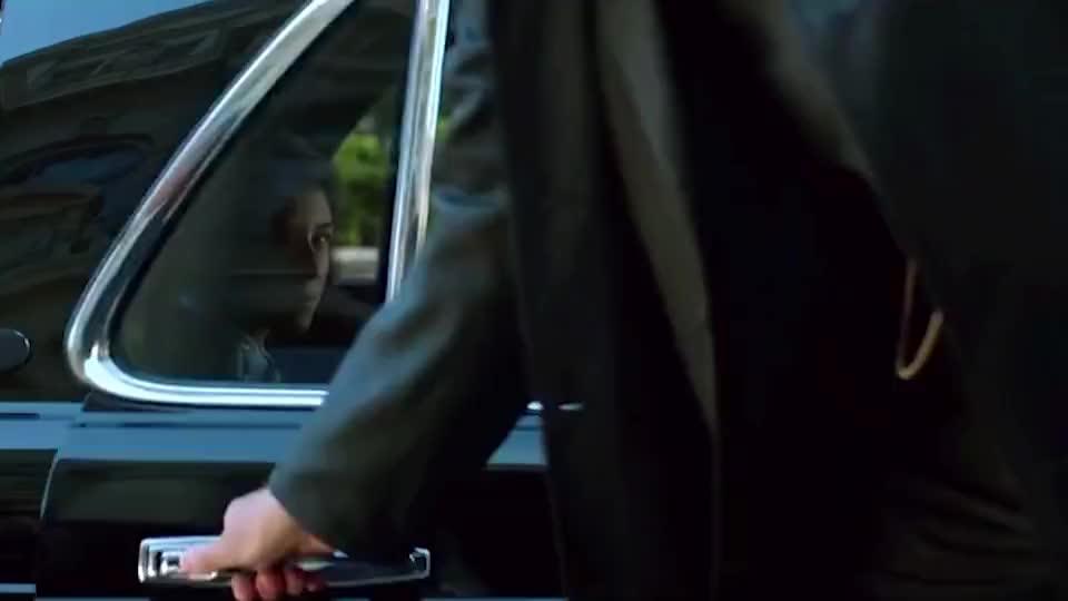 少年蝙蝠侠遭校园暴力,管家这操作太神了!