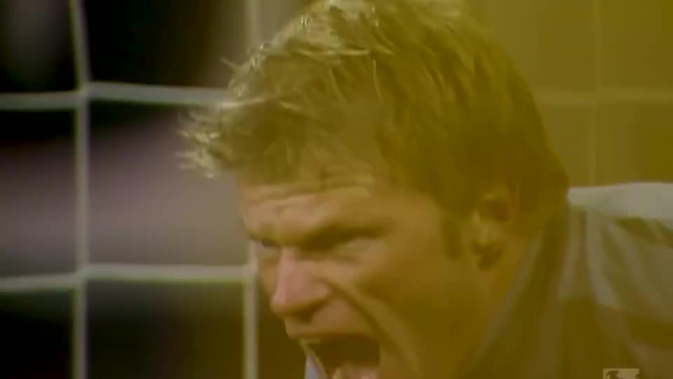 狠起来连队友都捶的男人,狮王卡恩拜仁期间十大精彩扑救,太霸气