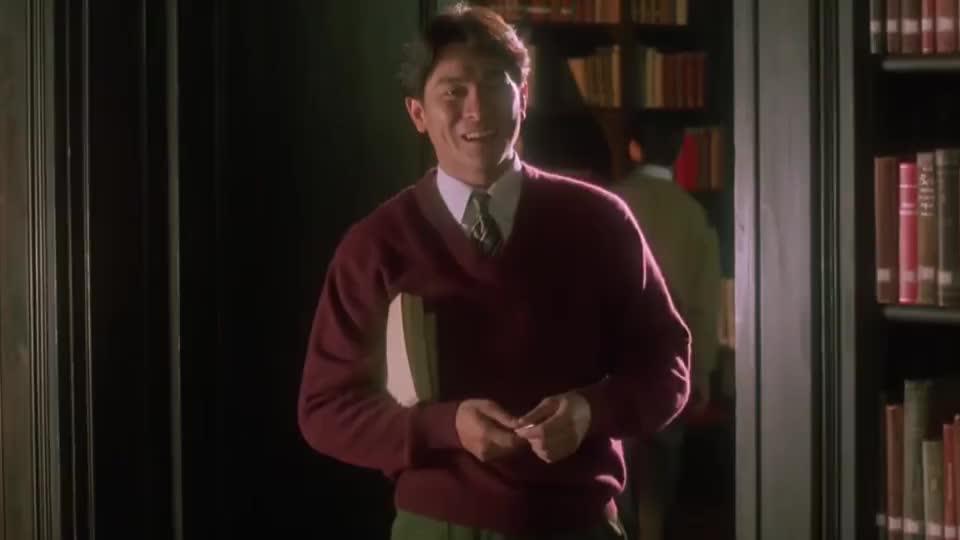 两人在图书馆打暗号,果然是心有灵犀,我看了几遍也没看懂