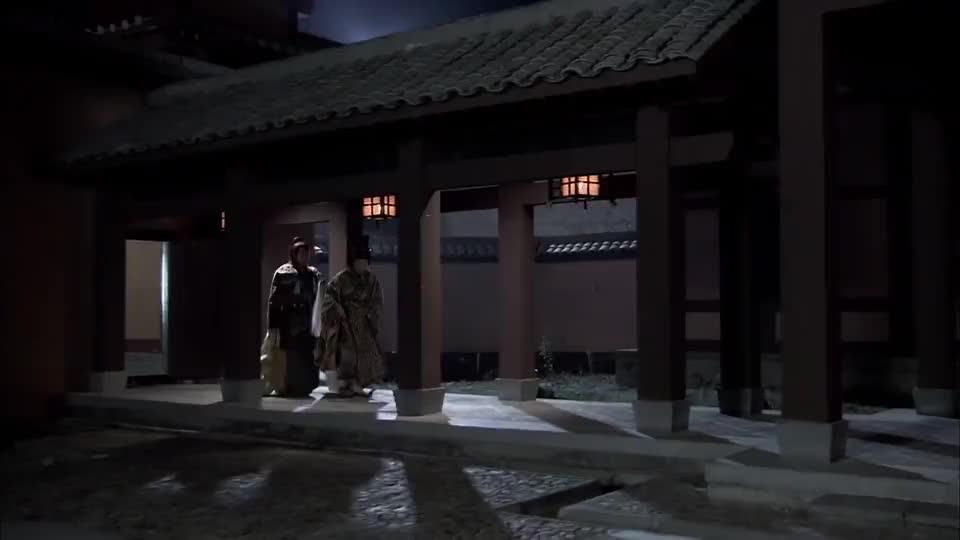 王昭君:王盾得知嫱儿要去和亲,认为匈奴大汗不配,很可惜