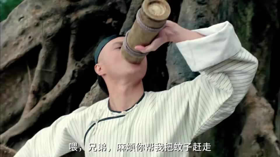 冯淬帆这功力不低啊,把自己包住吊在树上,就为了练成天蚕功