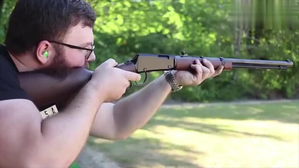 亨利22小口径杠杆步枪,射击声音小后坐力更小,可以忽略不计
