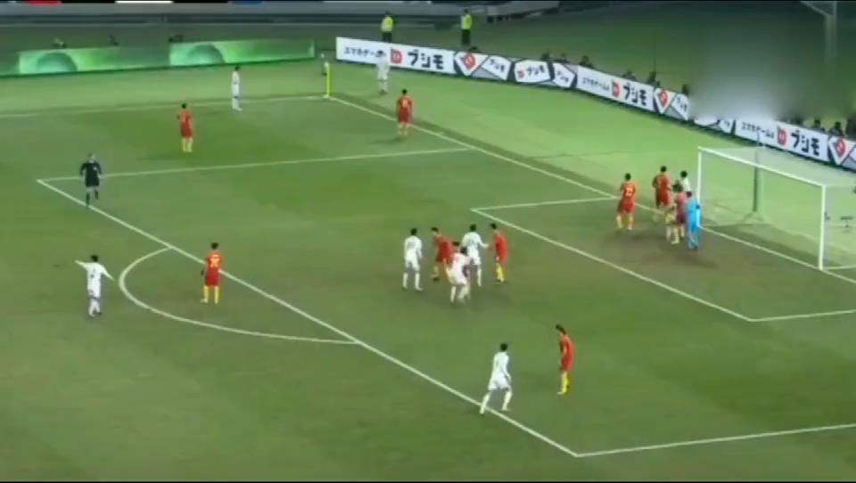 东亚杯,国足演绎经典10秒快速反击,张文钊助攻韦世豪轻松破门