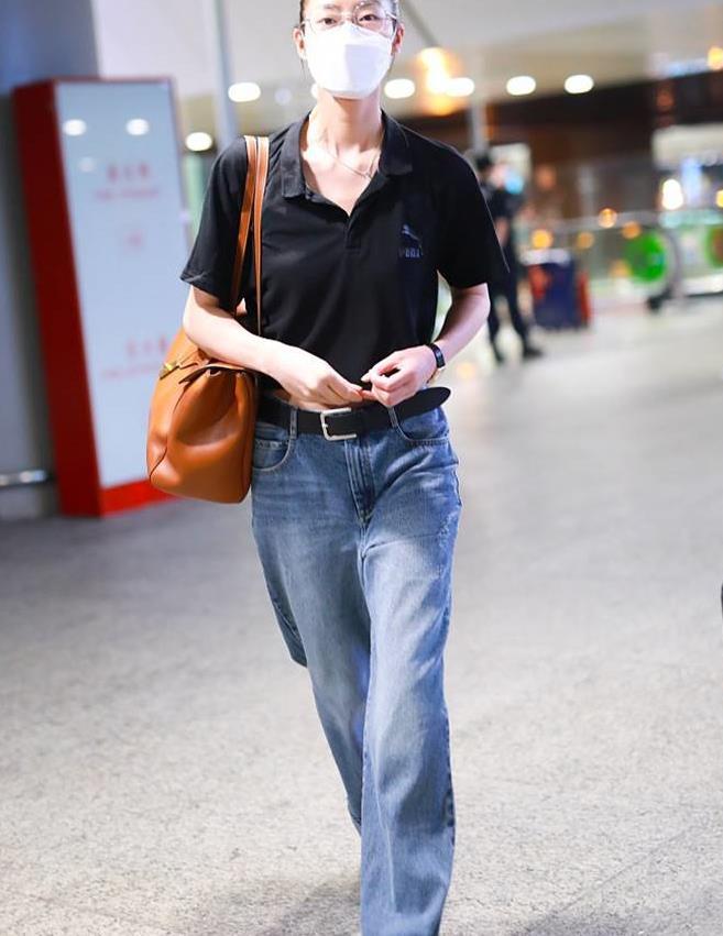 夏天裤子不需要买多,基础款也能很时尚,学刘雯穿牛仔裤