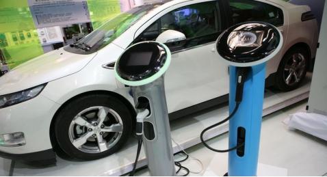 缺口68万!新能源汽车多元产业链技能型人才或成未来黑马