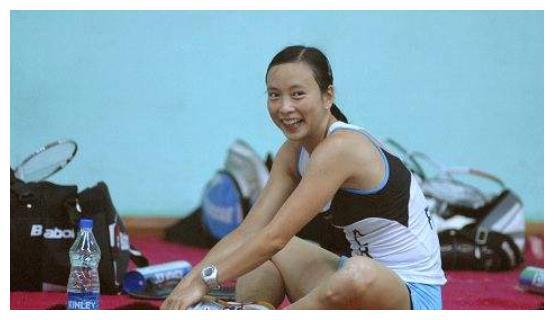 她虽是女单冠军,却因身高惨遭嫌弃,入法籍后爬到世界第二
