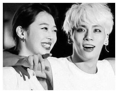 金钟铉与崔雪莉:天使在唱歌,凡人在奔波,从此天人永隔再不相见