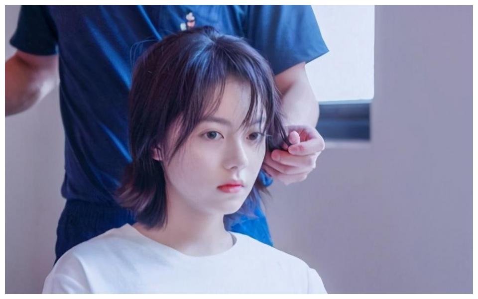 小小年纪却已是演技派,王京花签赵今麦,她的未来是否更加可期?
