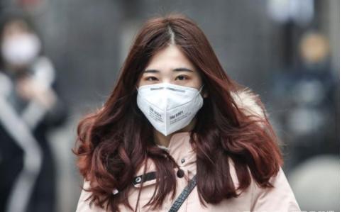 英国仍没强制戴口罩,难道真的要全体免疫么?