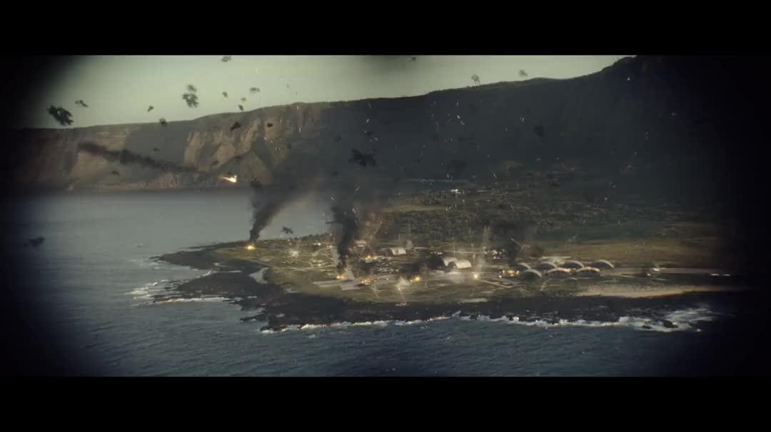 二战题材电影,美军战机高空俯冲投弹,与尾随日军战机展开决斗