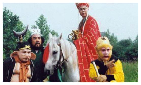 《西游记》万能演员,一人出演20多个角色,网友:欠他一个影帝