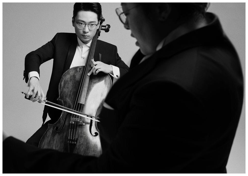 韩红首支大提琴作品《咏生》 与大提琴演奏家莫漠合作完成