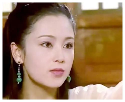 看完陈红的照片,再看王祖贤的照片,谁才是倾国倾城的大美人?