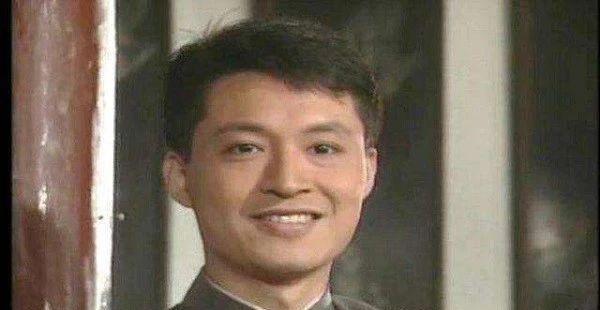 58岁马景涛也老了,农村婚礼现场的努力和夸张,曾经强吻刘嘉玲