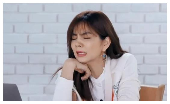 虞书欣舞蹈视频吓坏导师,Lisa却笑到合不拢嘴,简直是宝藏女孩