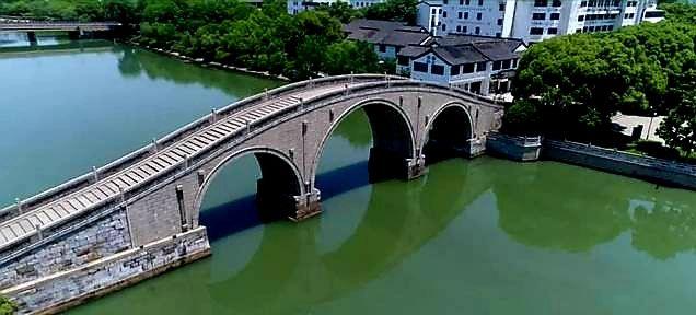 曾经被作为奸相严嵩礼物而惨遭解体的苏州万年桥