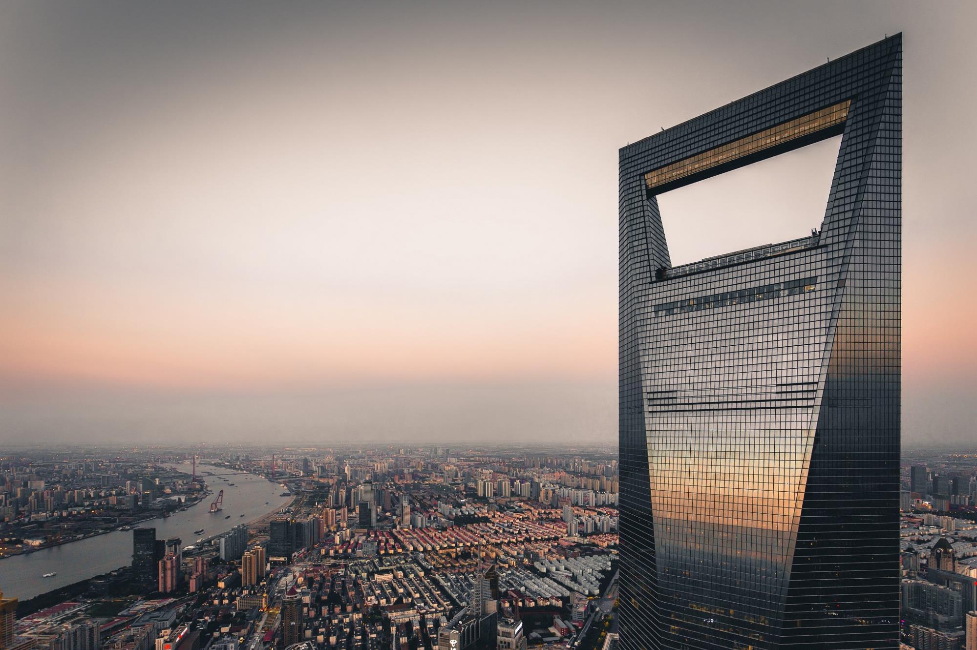 曾经的中国最高楼:还是全球最高有洞建筑,获奖无数却是日本投资