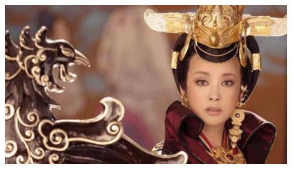 63岁高龄刘晓庆疑似怀孕,要生下76岁老公的孩子了?真匪夷所思
