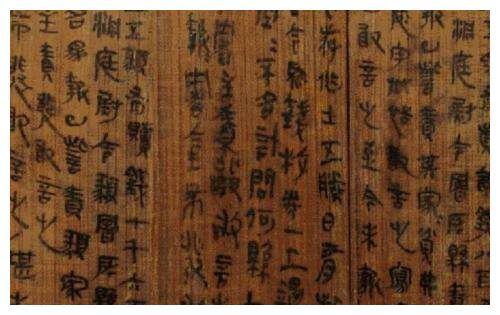 专家在井中抢救一批竹简:证明灭秦者并非刘邦项羽,更非陈胜吴广