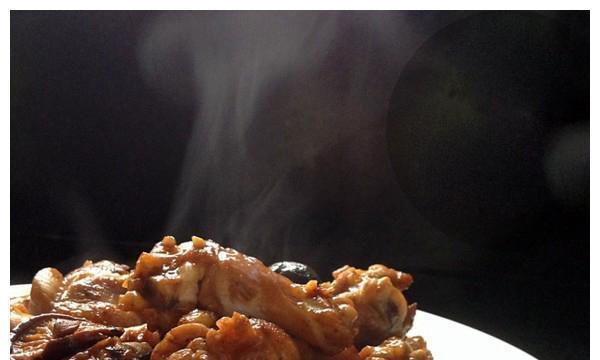 精选美食:剁椒肉末蒸豆腐,蚝油冬菇鸡腿,酱烧牛肉,豆豉蒸凤爪