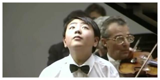 13岁郎朗演奏视频曝光,与现在太神似,网友:我还是从前那个少年