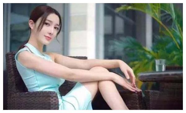 赵本山最美女徒弟,裸身跳楼坠亡,背后真相耐人寻味