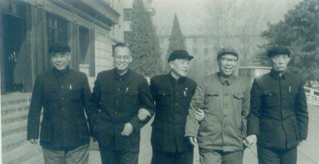 北平安静解放时期跟随傅起义的四大将领是谁?晕厥后怎么长