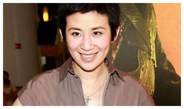 相恋23年,同居16年,女儿13岁,55岁的吴君如为何至今不结婚?