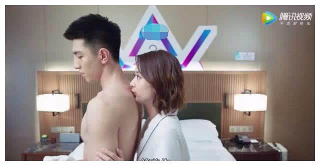 """金瀚""""狂吻""""赵丽颖,有谁注意到他手的位置?暴露真实人品!"""