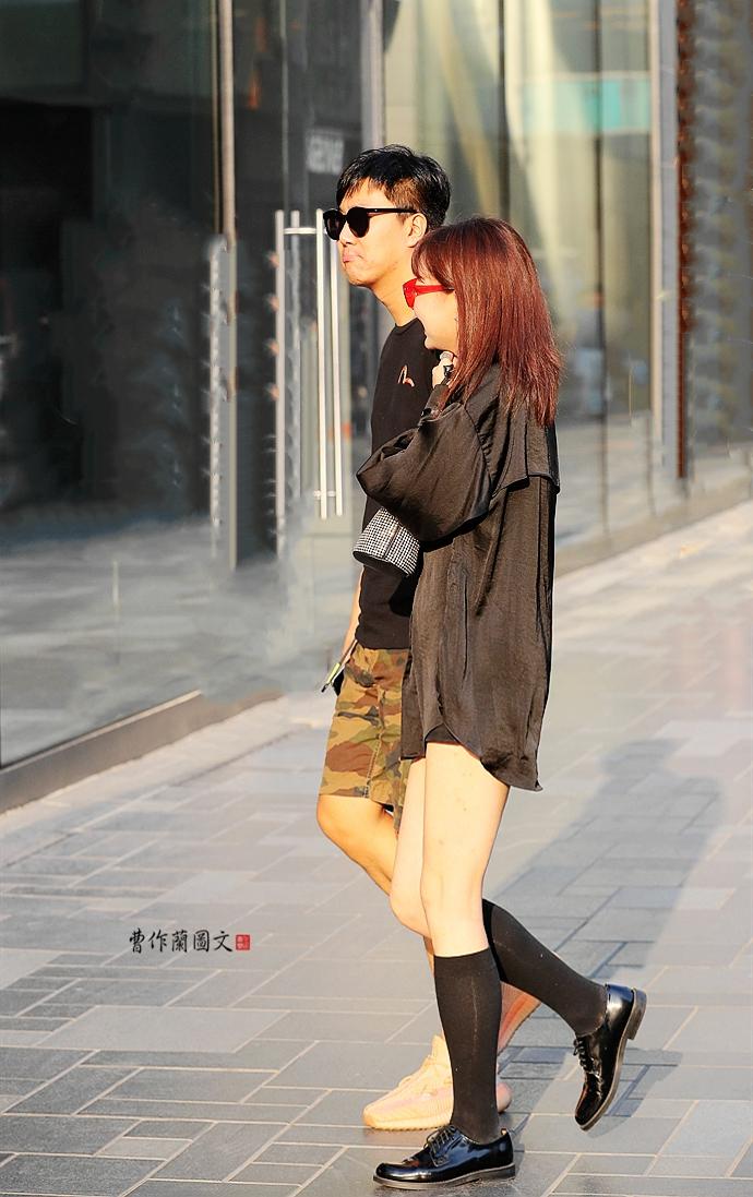 街拍:牛津鞋美女,穿出古典和知性