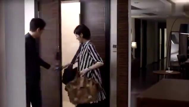 甜蜜旅行回家以琛贴心收拾行李,钟汉良唯独宠溺她一人。